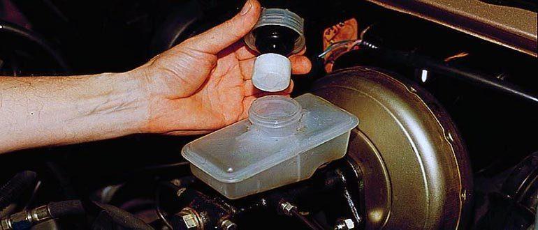 ВАЗ 2114: объем тормозной жидкости