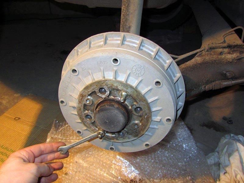 Замена задних колодок ВАЗ 2114